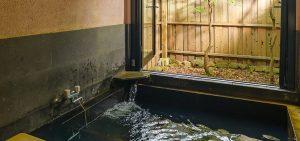 天然温泉がいつでも楽しめる客室